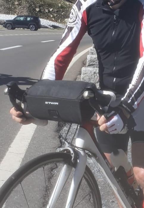A really good handlebar bike bag