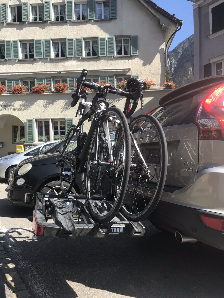 Profile view of Thule Easy Fold XT with 2 bicycles